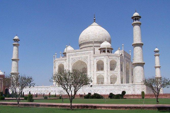 Taj Mahal Sunrise Tour from Delhi