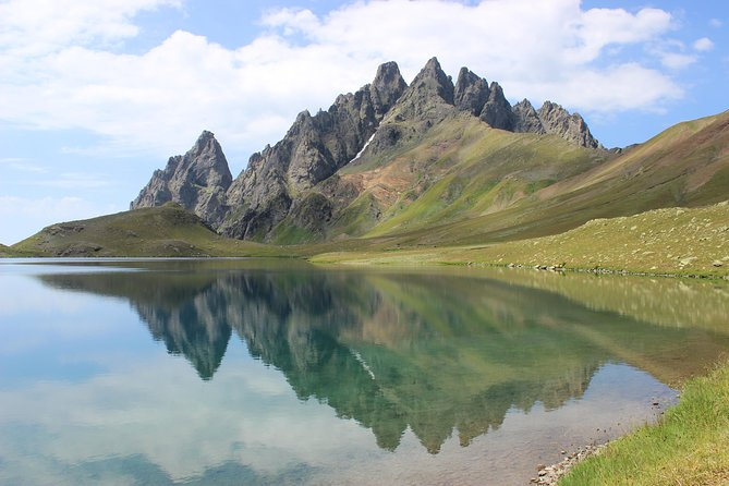 Trekking to Tobavarchkhili Lakes
