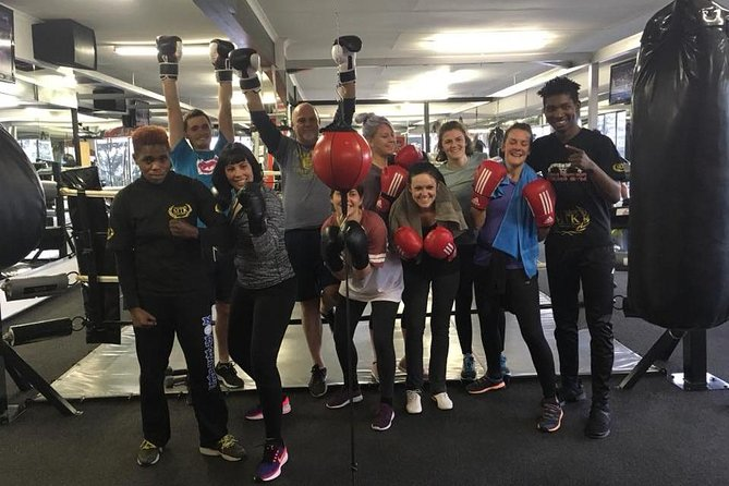 1-ON-1 | Couples | Group Boxing with a Pro-Boxer - Sweat your heart out! photo 3