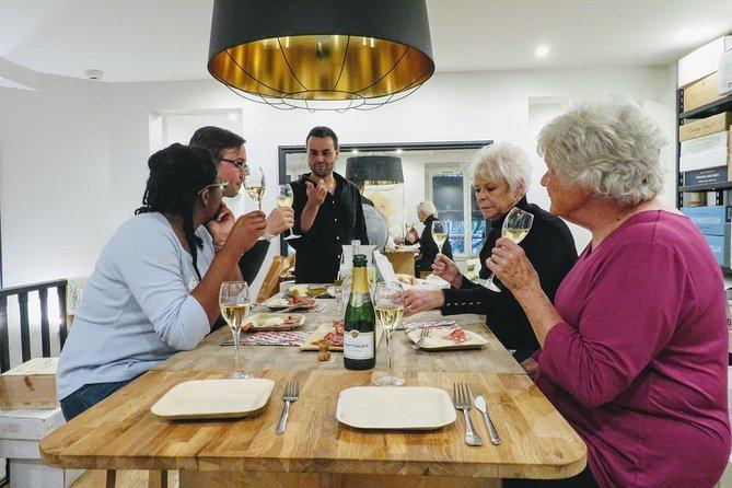 Champagne Masterclass & gourmet tour in Paris