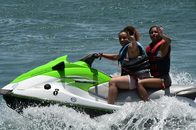 60min Jet Ski/Waverunner Rental photo 3