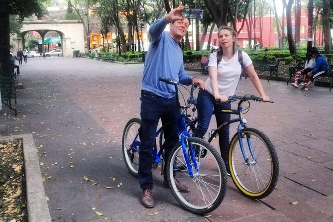 Bikes, friends & Food in coyoacan