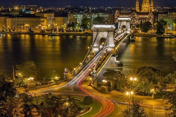 Budapest Illumination Tour with Car
