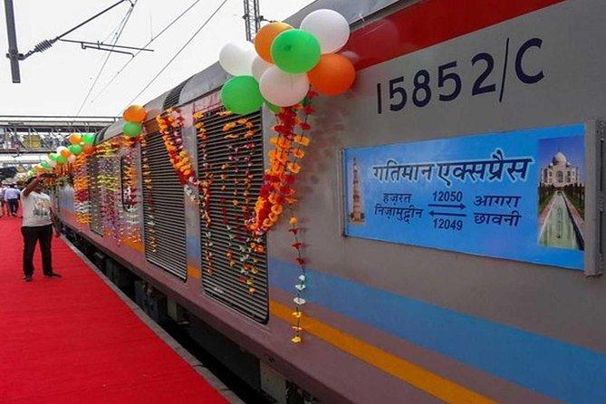 Taj Mahal+Agra Fort Tour from Delhi by Super-fast Train (Gatimaan Exp)