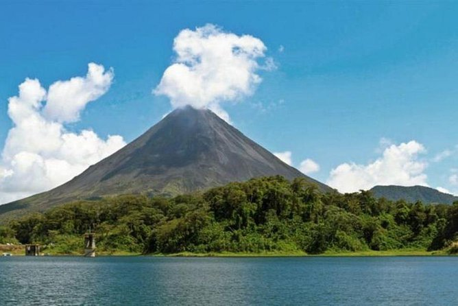 Private Transportation Service From Liberia Airport to Arenal La Fortuna