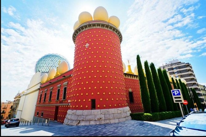 DALÍ Private Tour Figueres and Cadaques Museum
