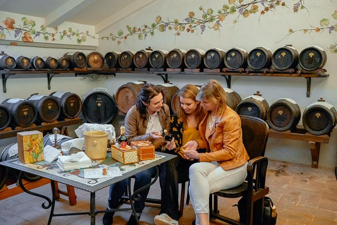 Private Modena Day Trip for Foodies: Highlights, Cheese & Balsamic with a Local
