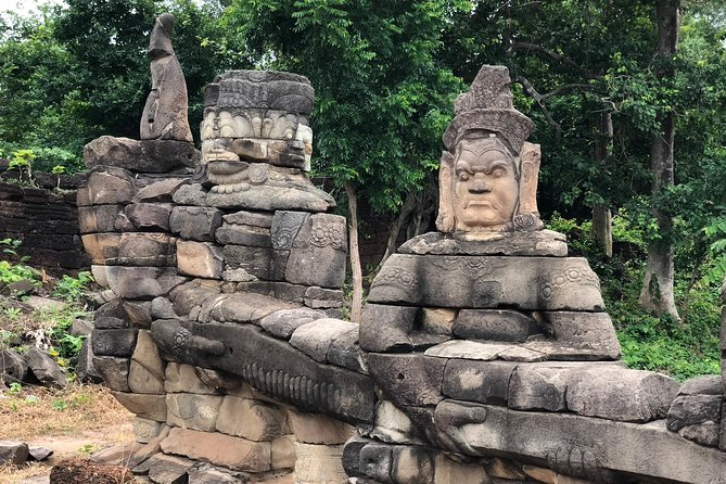 Private Banteay Chhmar, Banteay Toap & Ang Trapaeng Thma Guided Tour