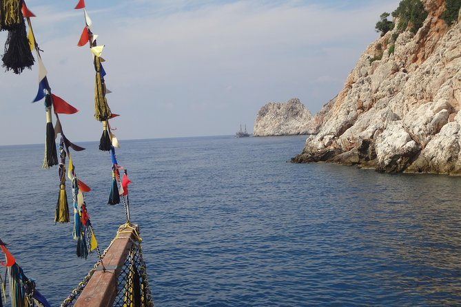 Pirate Ship with Alanya City visit with lunch and drinks photo 3