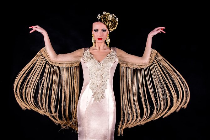 """BeFlamenca. Fell the magic being Flamenca of """"Haute Couture"""" at Alhambra! Your Dream Come True!"""