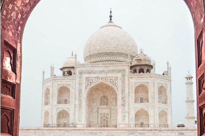 01 night / 02 Days Overnight Taj Mahal Agra Trip