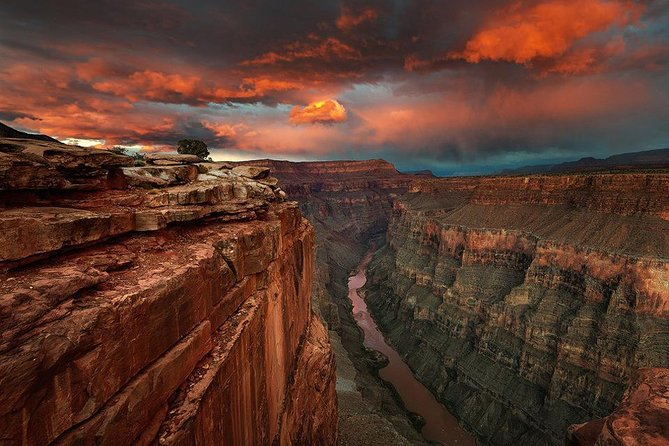 Grand Canyon and Hoover Dam Bus Tour from Las Vegas