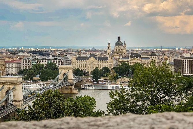 Arrival Private Transfer Budapest Airport BUD to Budapest City by Luxury Van