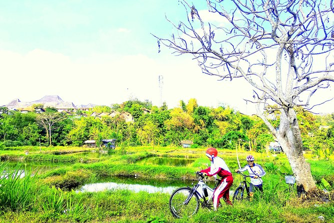 Fun Bike around the Villages and Fish Farming photo 1