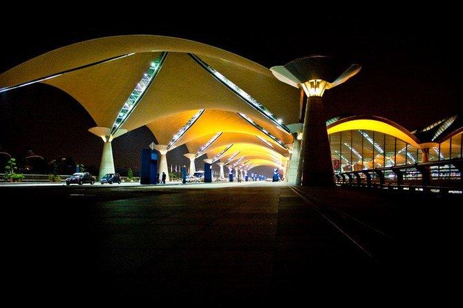 Getcar -- Malaysia (KLIA / KLIA2) Airport Transfer -- Premium MPV