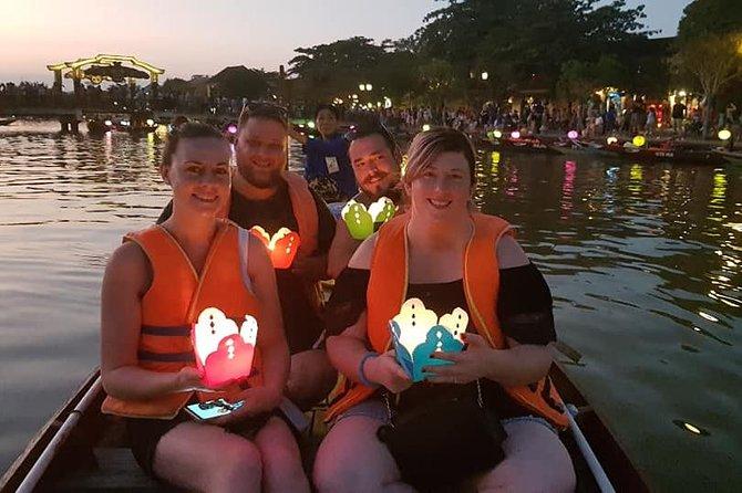Guided Tour to Visit Hoi An Ancient City, Sampan Boat Ride,Night Market,Lanterns