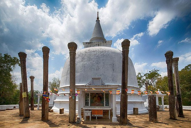 Tour to Explore the Ancient Ruins of Anuradhapura