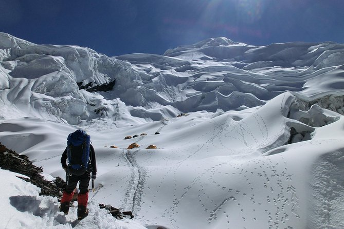 Mera Peak Climbing 6476 meters for 20 Days