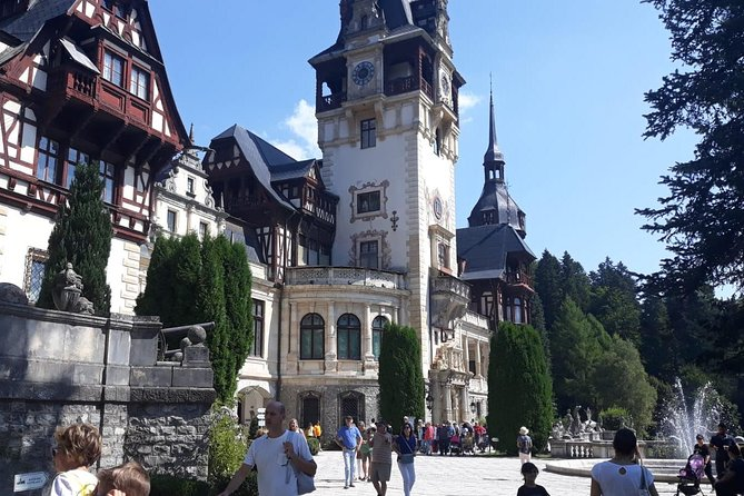 Bran - Dracula and Peles Castle, Brasov City and Black Church Private Day Trip