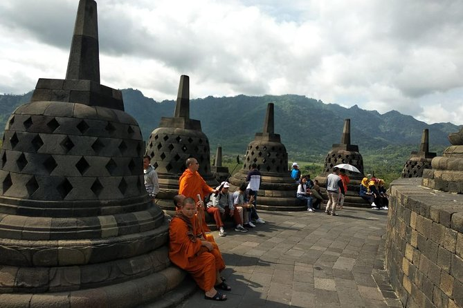 WONDERFUL JOGJA01 ( Borobudur + Prambanan + City Tour + lunch ) (10 hours)