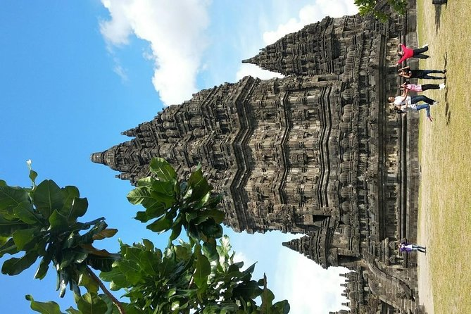 WONDERFUL JOGJA01 ( Borobudur + Prambanan + City Tour + lunch ) (10 hours)