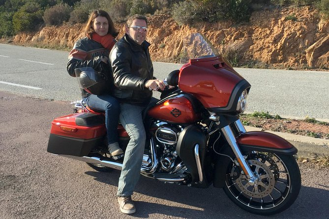 Stroll on a Harley Davidson, Full day passenger duet with your guide