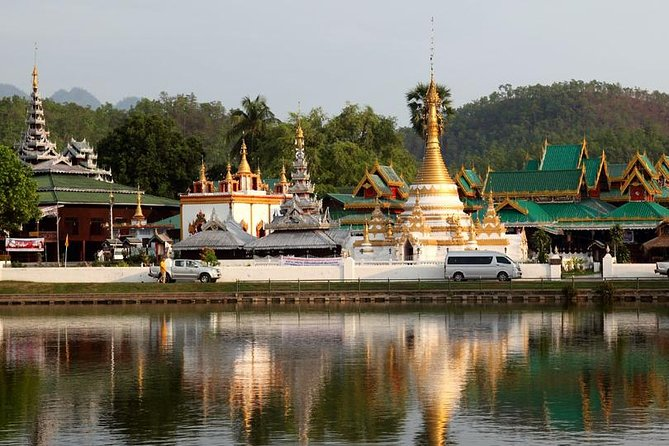 Half Day City and Temples Tour of Mae Hong Son
