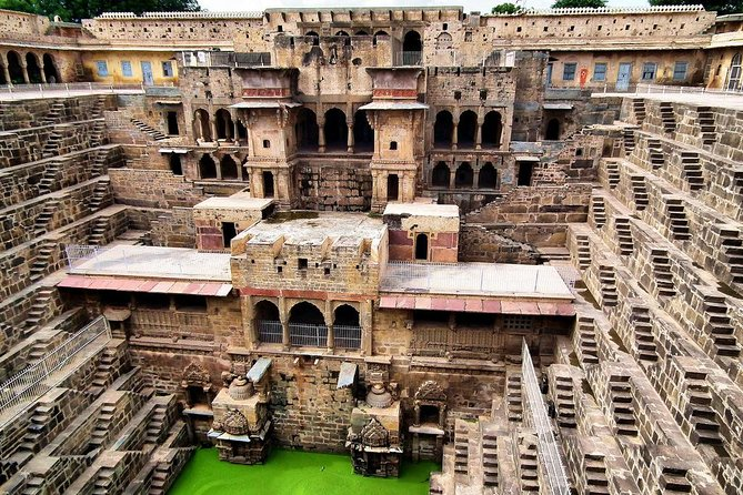 2Day:Agra To Jaipur With Chand Baori & Jaipur City Tour(Hotels & Entry Options)