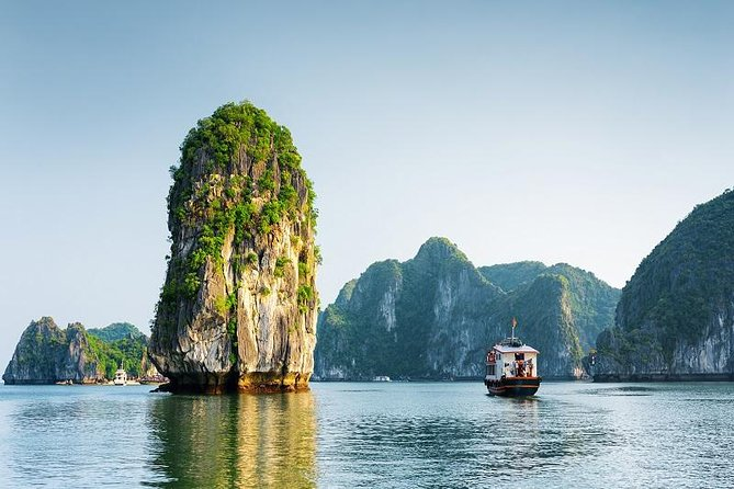 6 Day North Package Tour All-Inclusive: Hanoi - Hoa Lu - Tam coc - Ha Long Bay