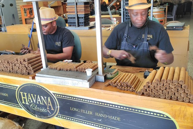 Liitle Havana Tour Food and Culture by Cuban Guide with Mojitos, Cigar Factory photo 11