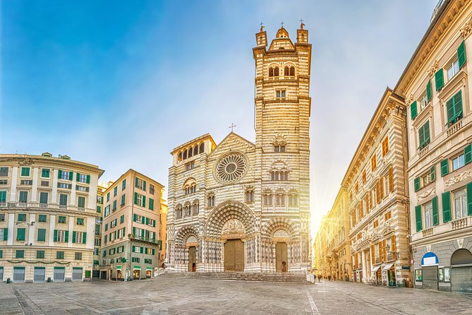 Discover Genoa, old town walking tour with aperitivo