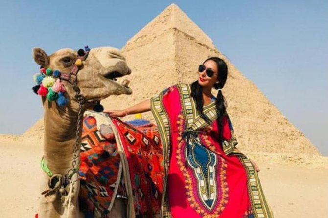 5 Hours private tour to Giza pyramids Sphinx and Citadel including transfers photo 1