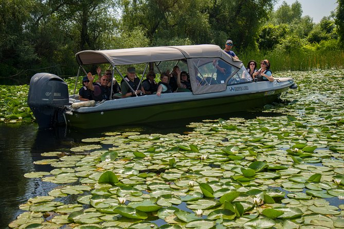 PRIVATE 4-5h speedboat tour to the village Mila23