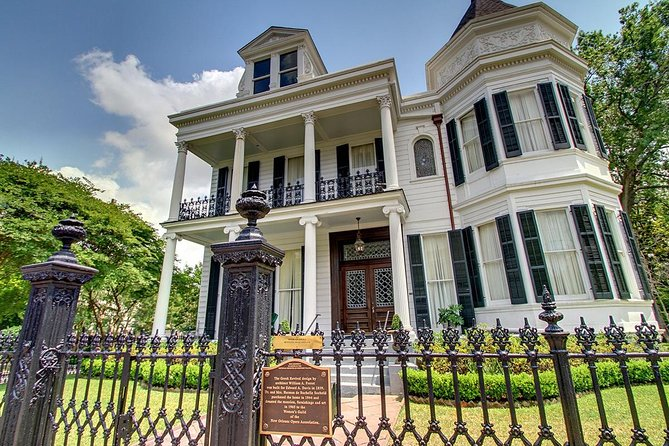 Private Garden District, St Charles Ave, and Cemetery Tour