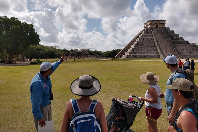 Chichen Itza, lunch and cenote Ik kil from Valladolid