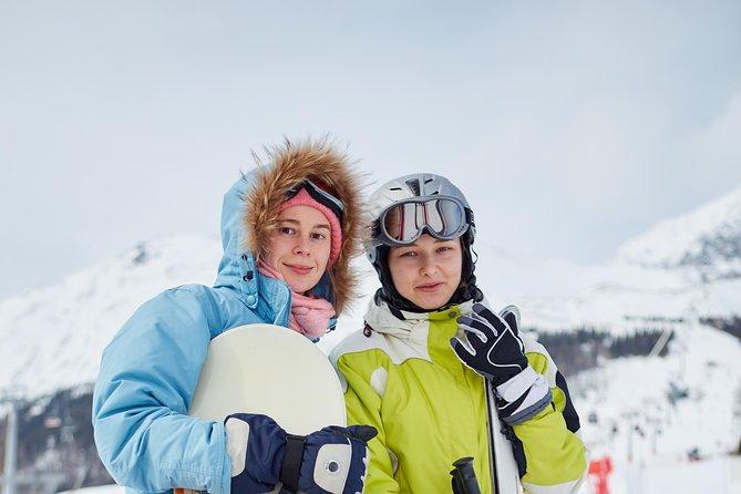 Ski/SnowBoard Semi Private Tour with a driver