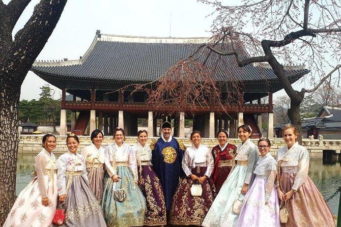 Morning Seoul Tour: Jogyesa Temple, Gyeongbokgung Palace, Insadong w Hanbok