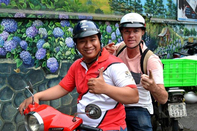 ANTHONY BOURDAIN TOUR - Saigon Motorbike Tour
