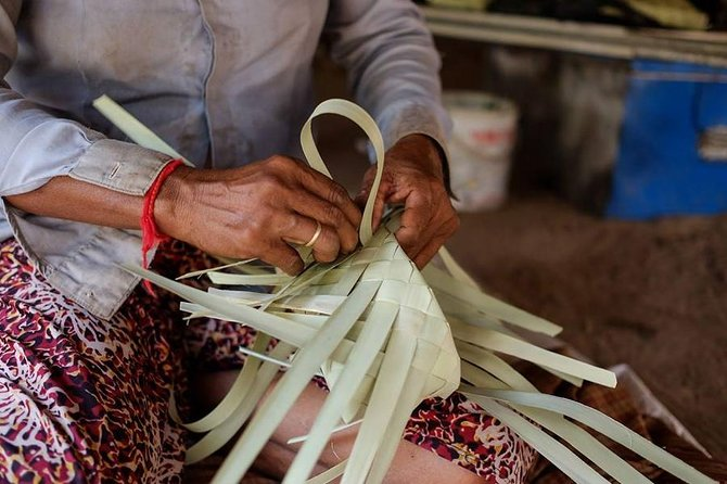 Palm Leaves Box Weaving Experience