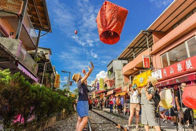 Pingxi Shifen Maokong One Day Culture Tour