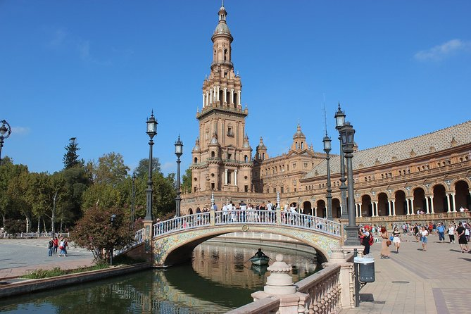 Seville Quick Overview: Highlights Walking Tour with Local Guide