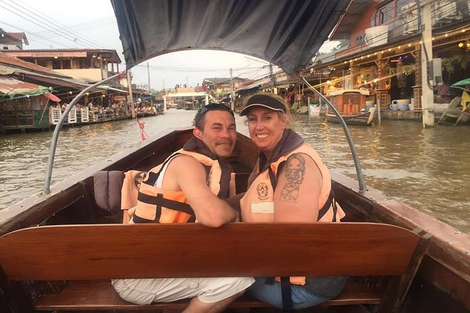 Private : Maeklong Railway & Amphawa Floating Market