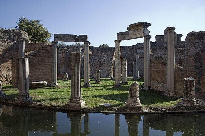 Private tour - Hadrian's Villa with departure from Rome