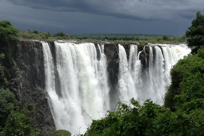 Guided Tour Of Victoria Falls + Lunch - Classic Package photo 6