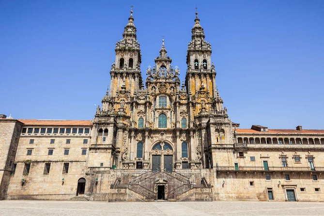 Santiago de Compostela: Private Tour with Lunch Included