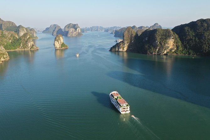 Hanoi - Halong Bay 2 Days 1 Night (3 star Luxury Cruises)