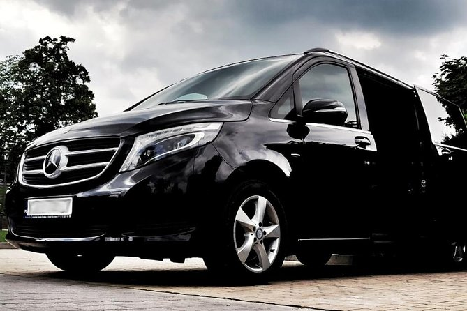 KRK Balice Airport: Private Transfer from Krakow
