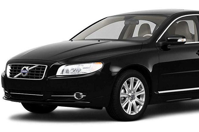Private Sedan (4 seats) Transfer from Dublin Airport to Dublin City Center