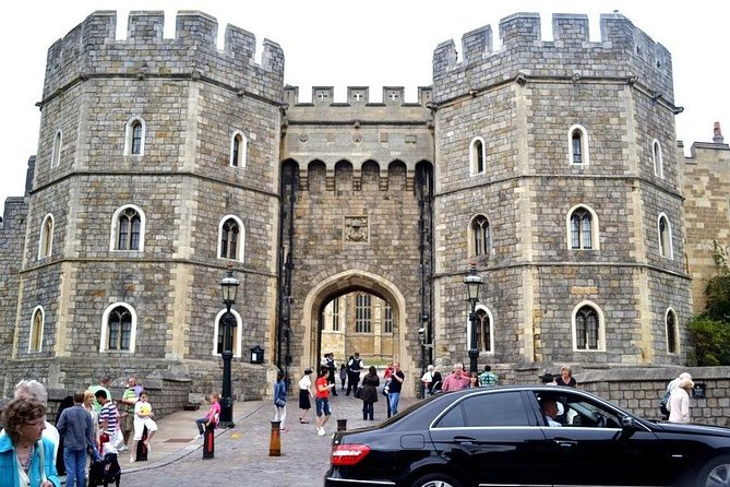 Layover Royal Windsor Private Tour from LHR for up to 8 travellers photo 2