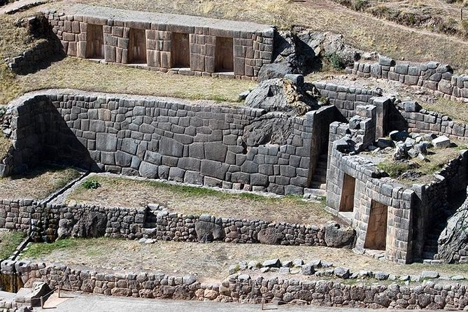 Transportation Cusco-Ollantaytambo visiting (Sacsayhuaman, Tambomachay and Pisac).